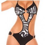 Push-up/Wireless Color Block Halter One-pieces (Polyester)